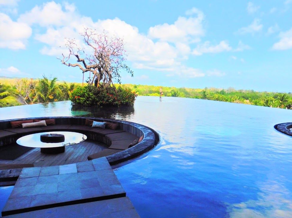 バリ島イチとの呼び声高い大自然を感じるエントランス