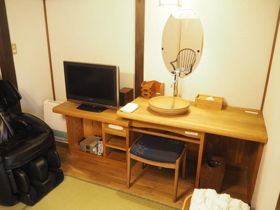 木のぬくもりを感じる気品ある客室