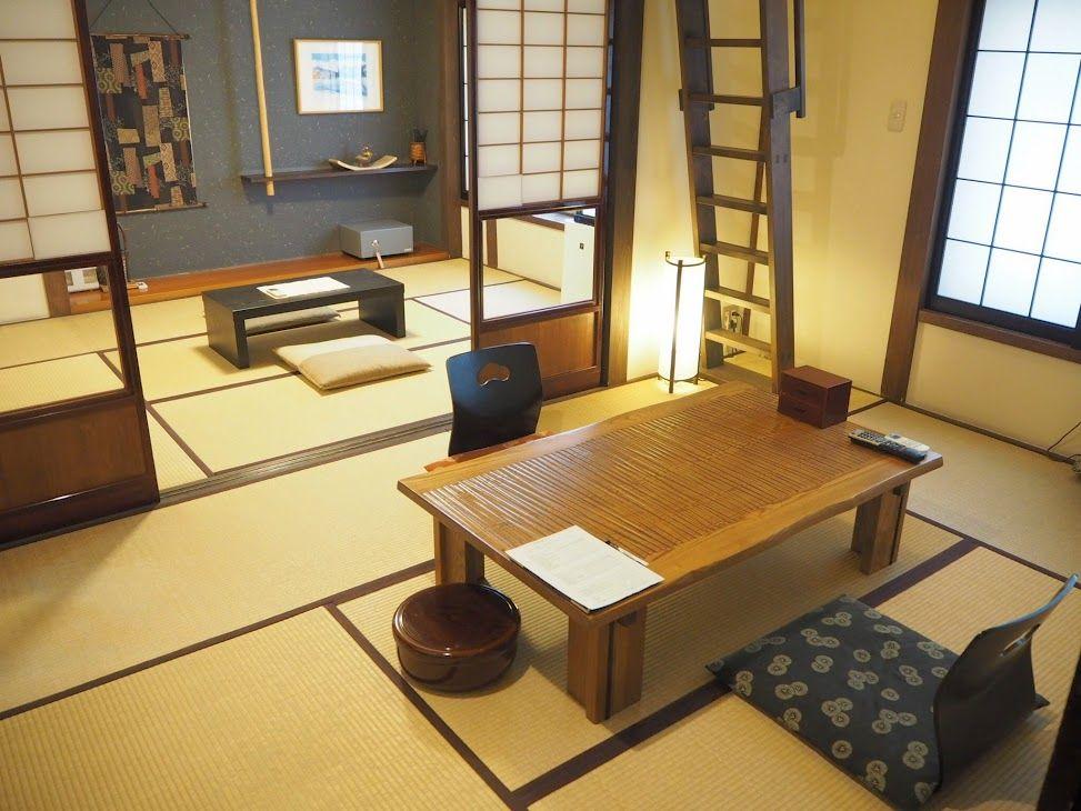 古民家を改装したぬくもりある客室