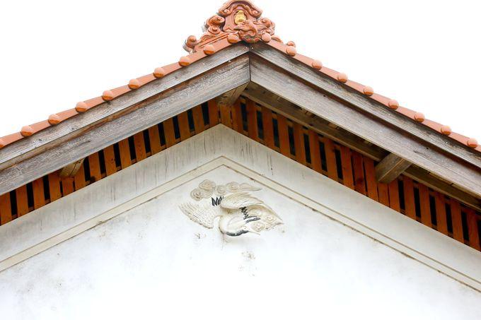 建築の装飾品
