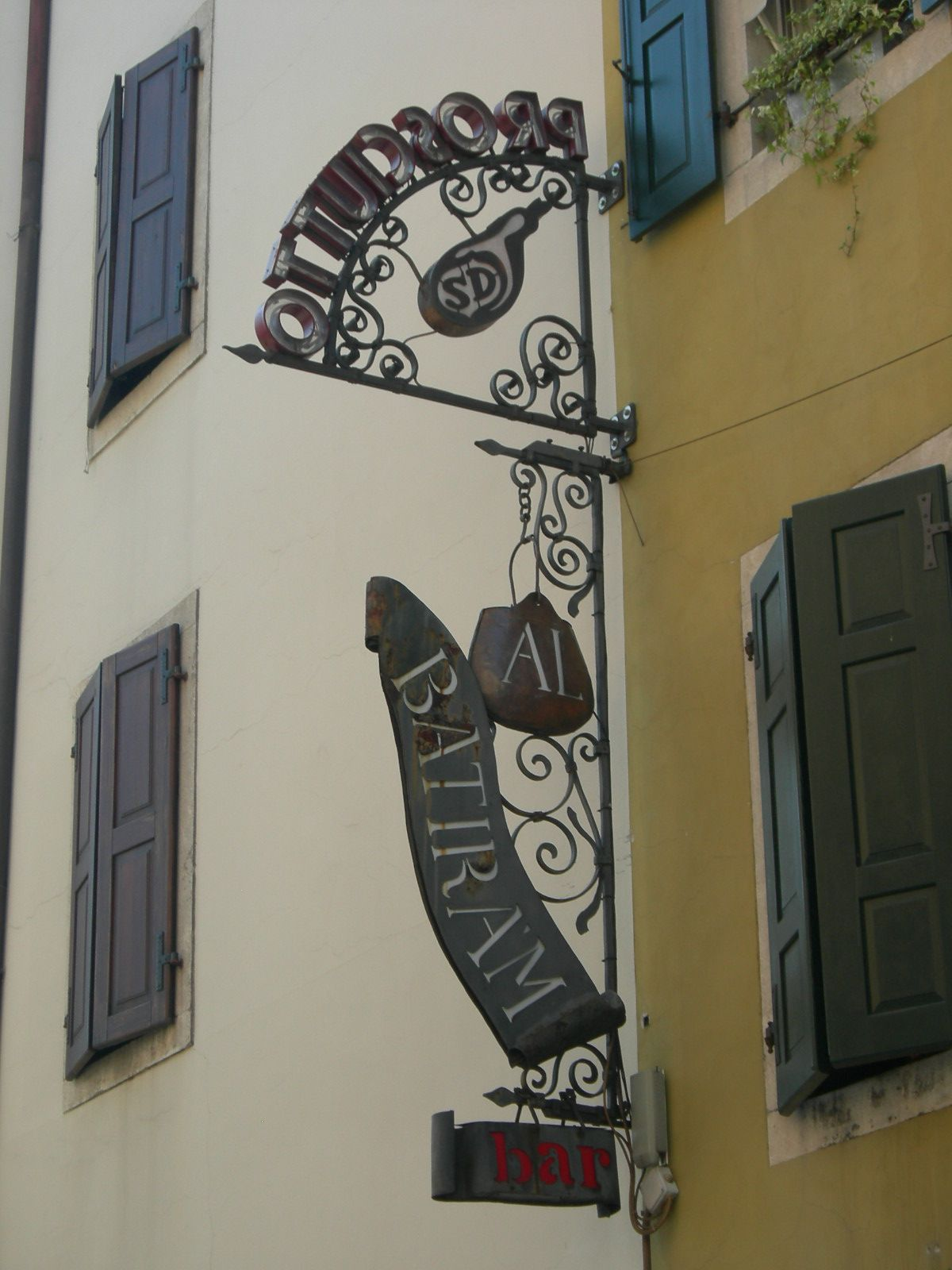 北イタリアの小さな町、サン・ダニエーレの町中が盛り上がる3日間