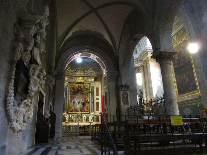 あわせて訪れたい、大聖堂やチェッポ病院