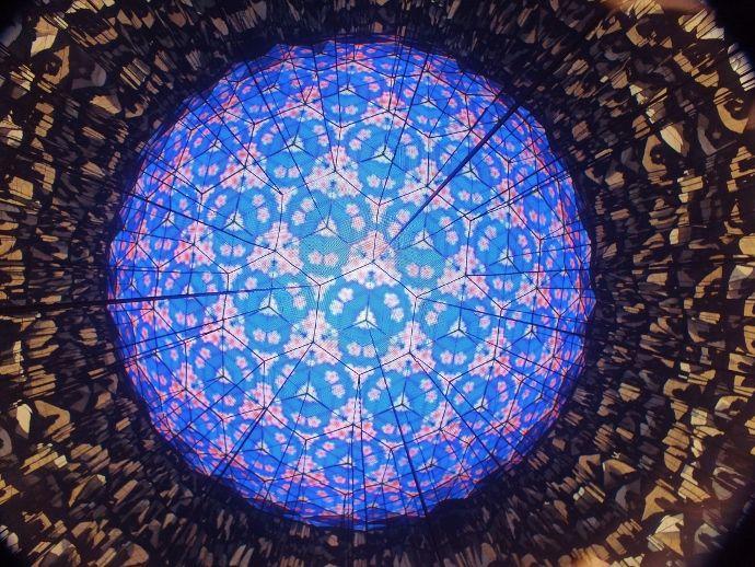4,100個のLEDも眉山からの展望も全てが万華鏡
