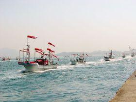 勇壮絢爛!源平船合戦から花魁行列まで「下関海峡まつり」