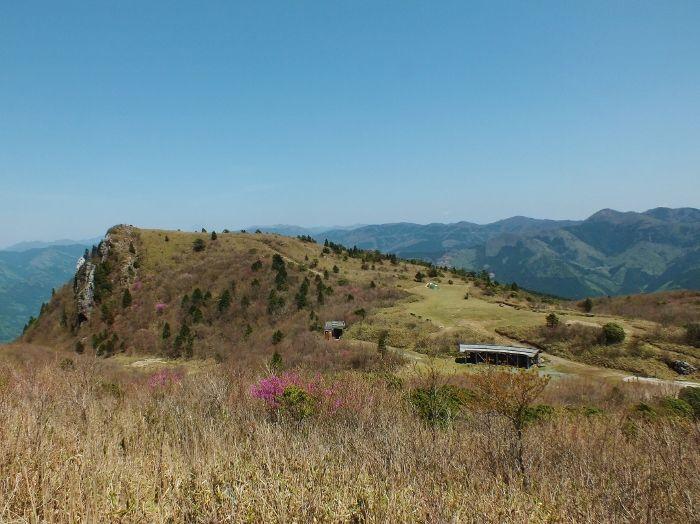 剣山系から石鎚山系まで、四国中を見渡す絶景
