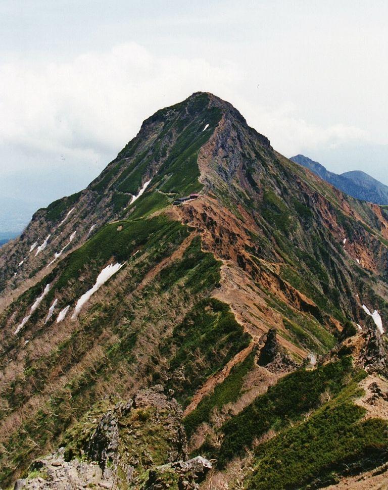 日本アルプスから富士山まで見渡す