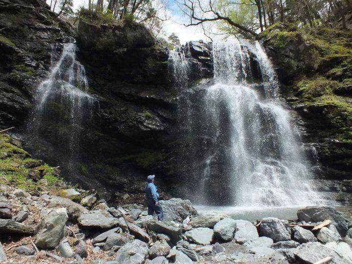 四国随一の景観の滝と記念写真に最適な滝(高知県香美市)