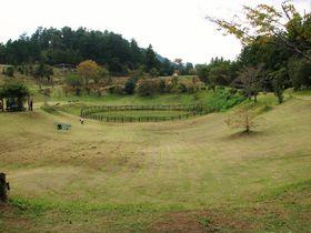 日本唯一!高知県の隕石落下跡クレーターと天辺が白い山