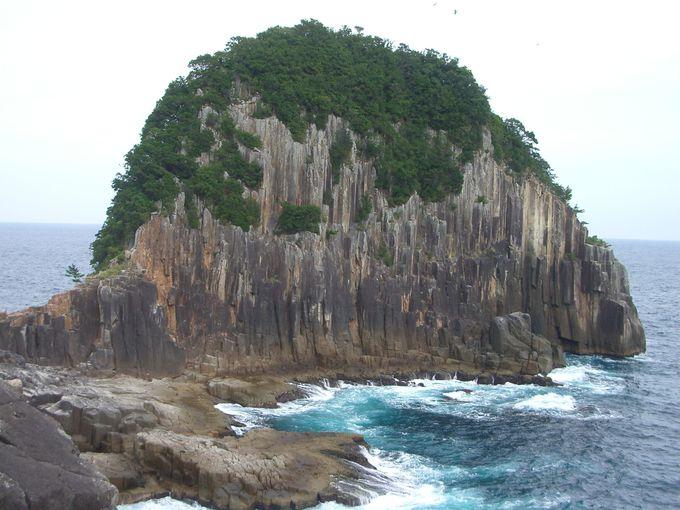 二木島湾の大岸壁が圧巻の楯ヶ崎!