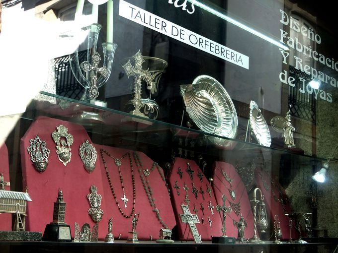 お土産には、サンティアゴ記念に銀細工を買って帰ろう