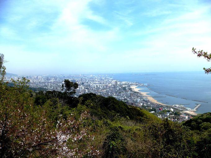 神戸の街並みと、須磨の海岸から大阪湾まで一望!