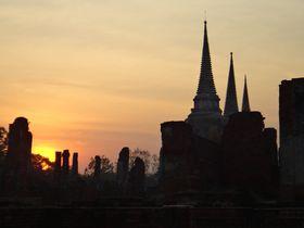 東南アジアで最も栄華を極めたタイの古都「アユタヤ」の遺跡の数々は神秘的で美しい