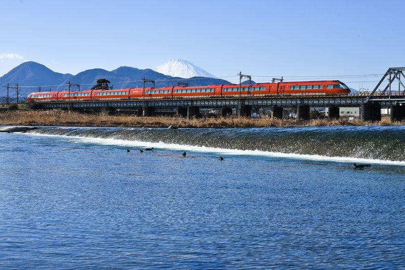 江戸の旅人が歩いた行路 特急「ロマンスカー」で優雅に箱根へ