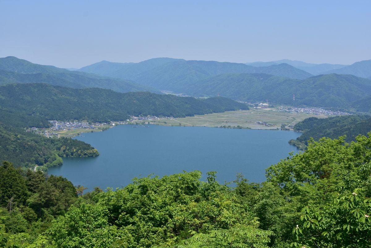 「賤ヶ岳山頂」は眺望絶佳の地