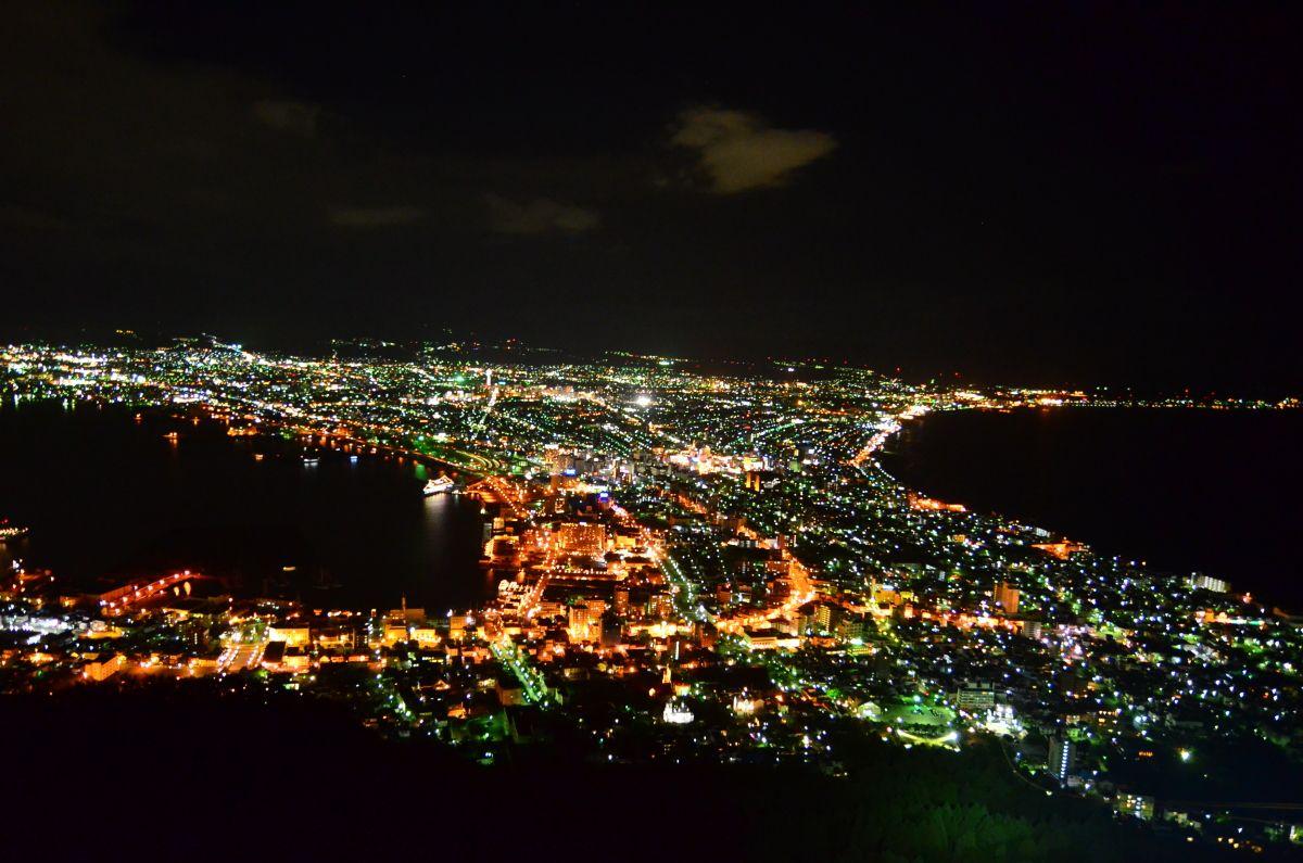 まずは定番の函館山夜景を楽しもう
