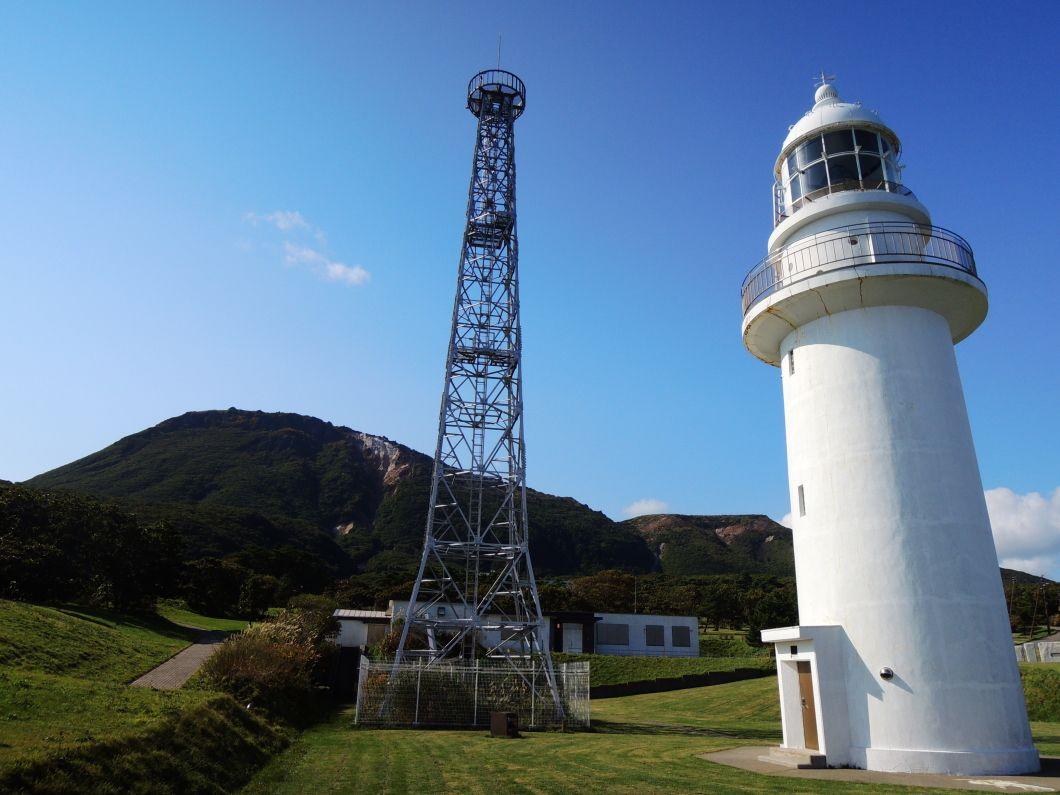 太平洋に臨む白亜の「恵山岬灯台」