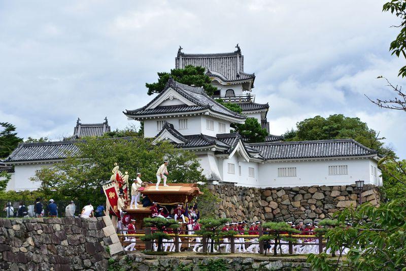 大阪・泉州路に秋の訪れを告げる勇壮「岸和田だんじり祭」