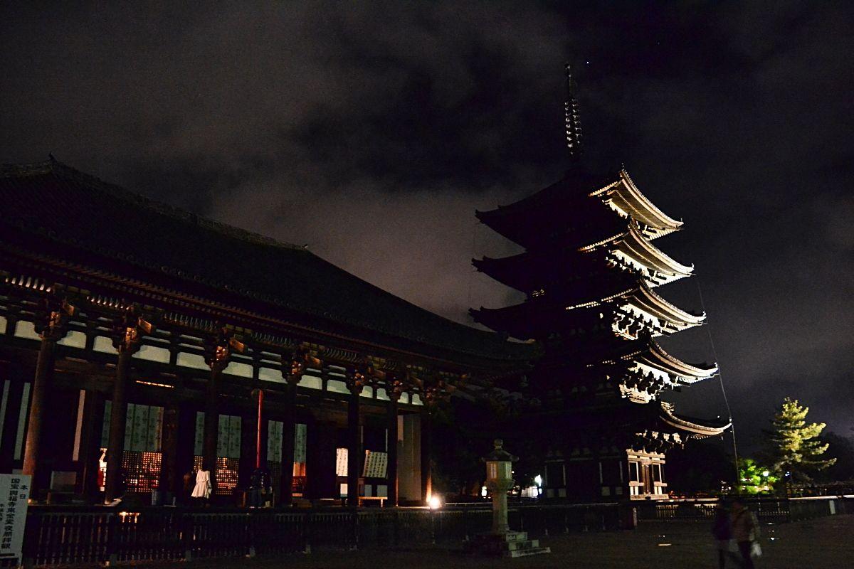 興福寺の夜間拝観は早めに