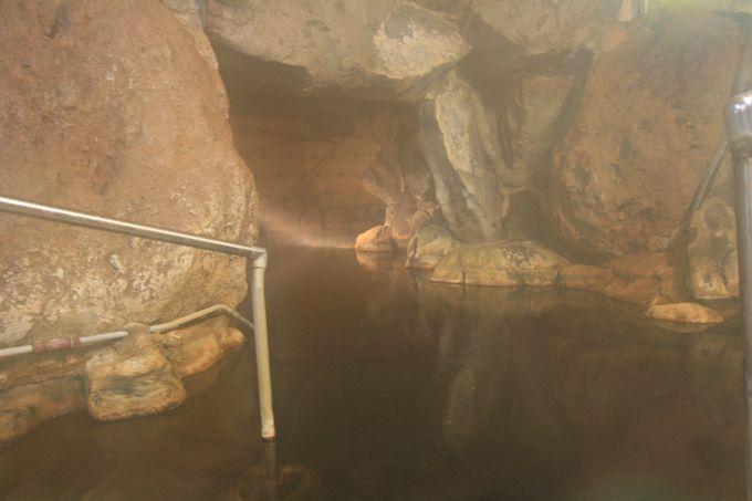 人々を魅了する大洞窟風呂
