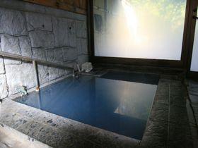 青く輝く神秘の秘湯!由布市「奥湯の郷」で名湯に出会う