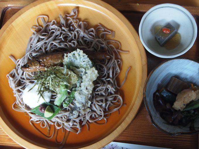 川床で味わう絶品川魚料理