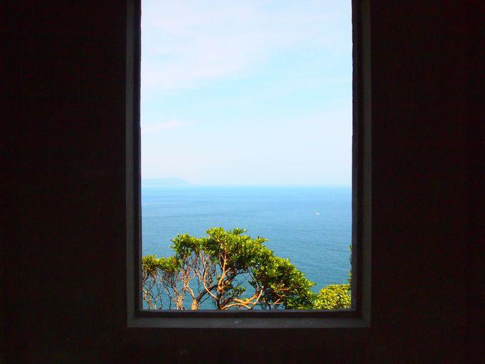 監的哨の中で窓から見えるフォトジェニックな景色を楽しむのも乙!