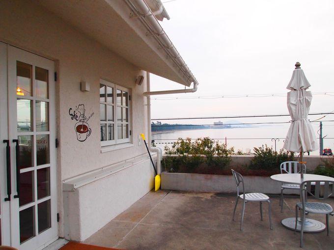 クラブハリエの湖を望むベーカリー「クラブハリエ ジュブリルタン」