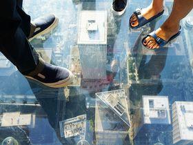 シカゴ「ウィリス・タワー」上空412mで浮遊体験!?