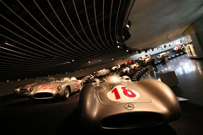 「シルバーアロー」メルセデスの名車がいっぱい