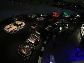 シュトゥットガルトのメルセデスベンツ博物館はレースファン必見の博物館