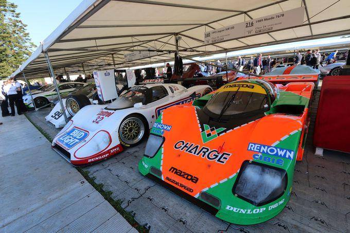 懐かしいレーシングカーを間近で見れる!