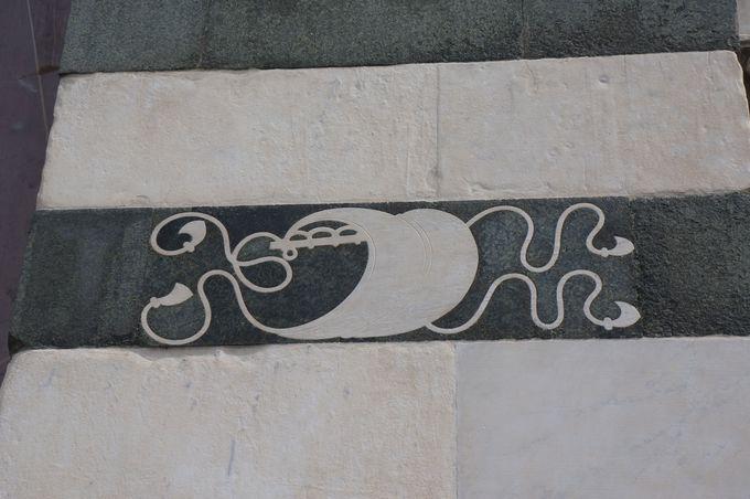 順風満帆!福を呼ぶルチェッライ家の紋章