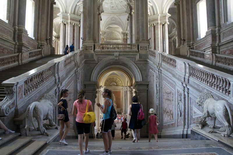 豪華絢爛!ナポリ版ベルサイユ、カゼルタ宮殿でロココに溺れる