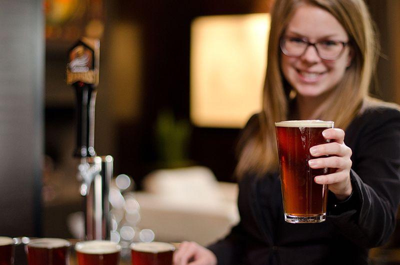 ハッピーアワーは、クラフトビールが飲み放題!