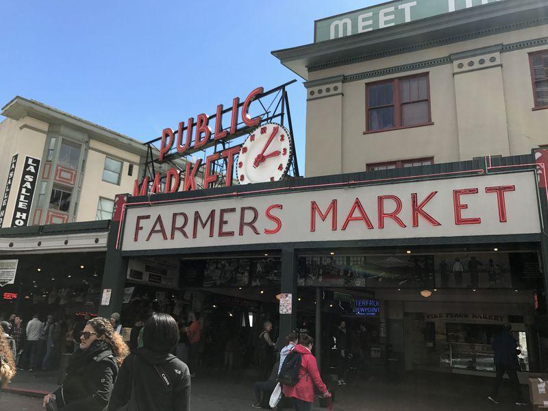 流行りのレストランをはしごしながら観光も!グルメシアトルツアー