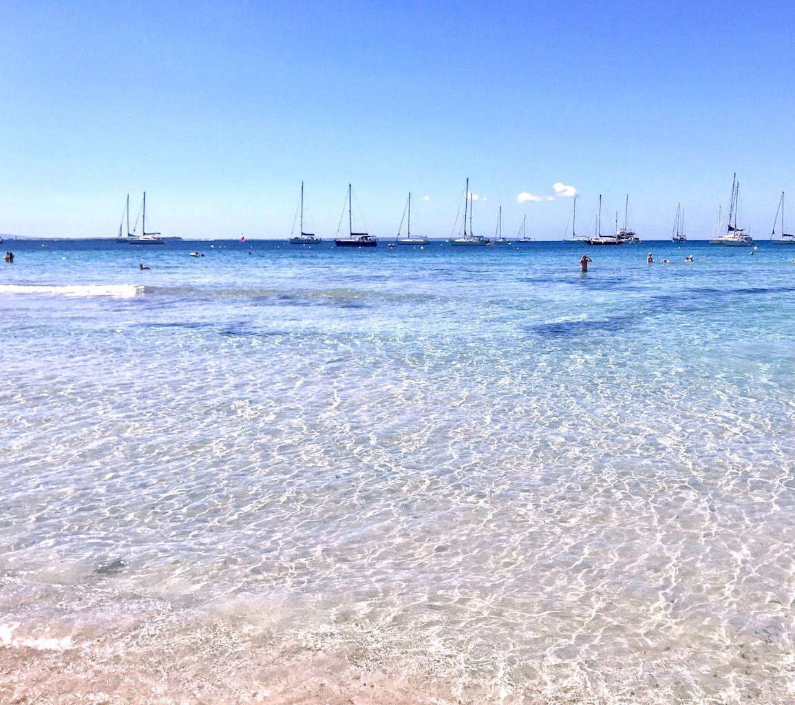 なぜイビサの海が美しいのかは、こんな理由があった!