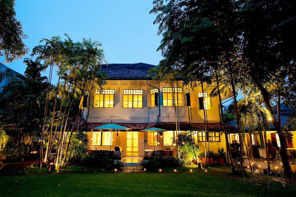 タイの花文化を伝える、クラシカルな洋館