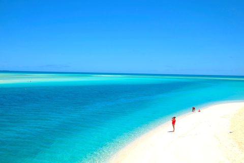 「すべての青が集まる海」ニューカレドニア