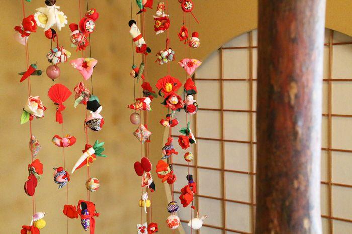 特別な日には「ご当地部屋 つるし飾り 椿の間」へ