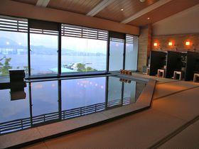 宮島一美しい夕陽を温泉から 美食の新ホテル「宮島別荘」|広島県|トラベルjp<たびねす>