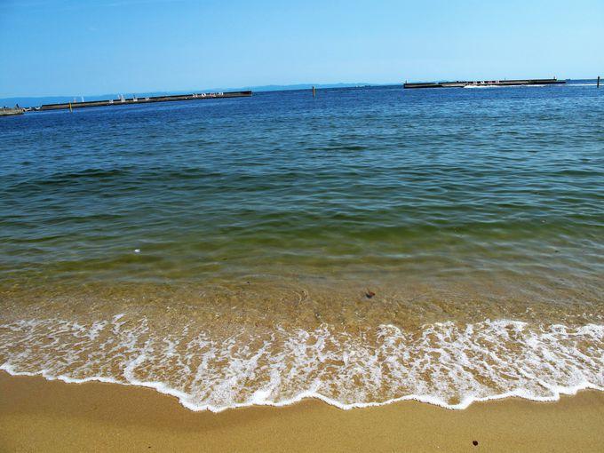 リニューアルして遠浅になった白砂ビーチ