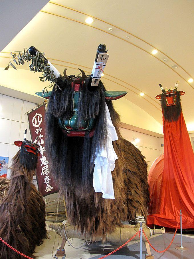 愛媛の奇祭 大きな妖怪「牛鬼」が練り歩く「宇和島牛鬼まつり」