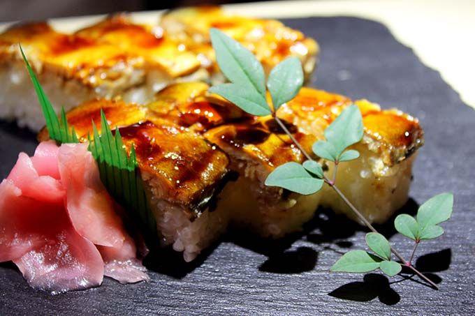 新鮮なフルーツを味わうお寿司