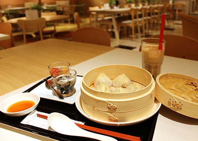 ヘルシーなアジアンスイーツと手作りのシンガポール料理