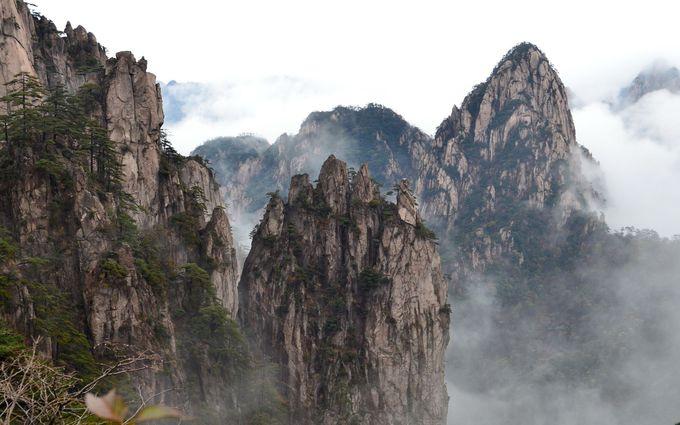 「黄山を見ずして山を見たというなかれ」天下第一の山・黄山