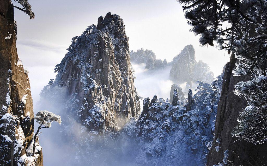 四季折々の姿を見せる風光明媚な黄山