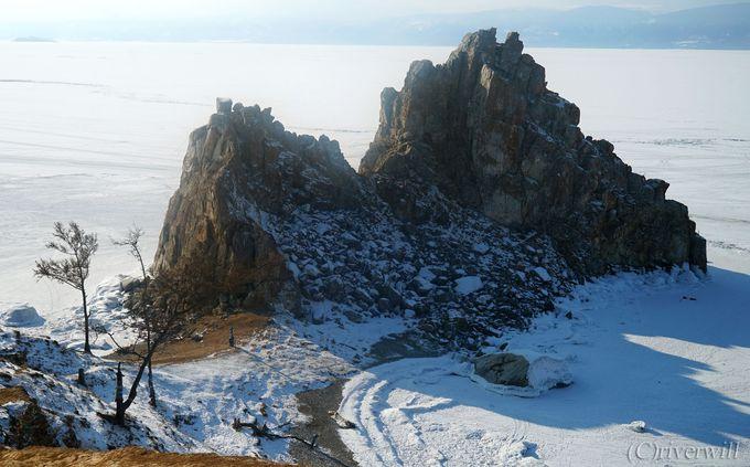 冬のバイカル湖の観光拠点「フジール村」とは