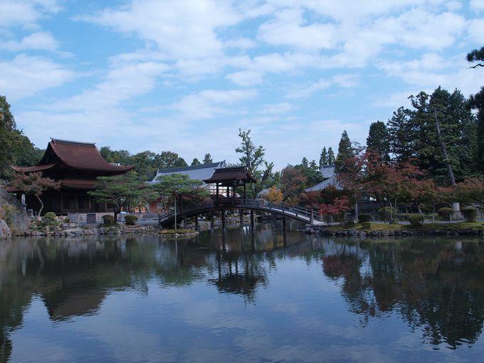 時代に応じて千変万化、日本庭園の様式�@