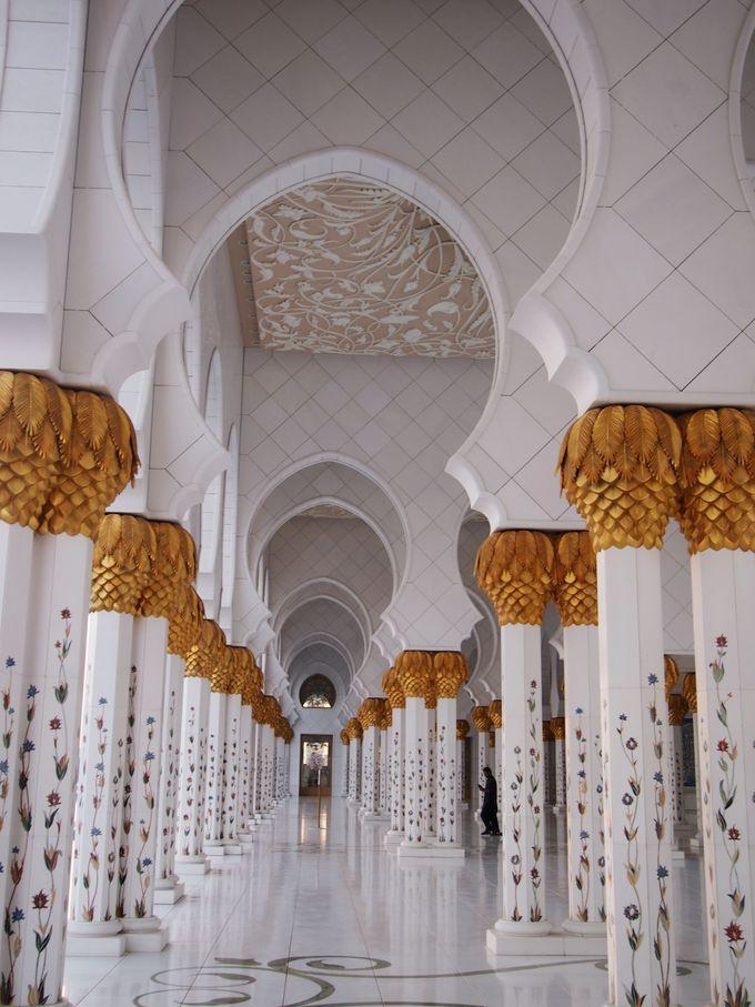 モスク外での観光の注意点は?