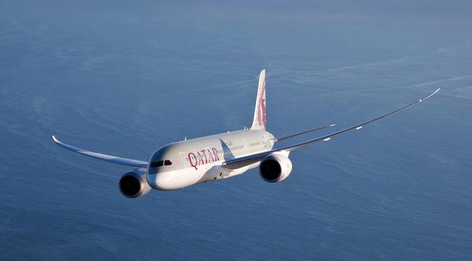 新たに羽田空港に就航した最新鋭機材、カタール航空のボーイング787